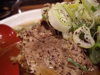 肉肉ラーメン 2/100 西新宿店 肉肉ラーメン大(牛肉)