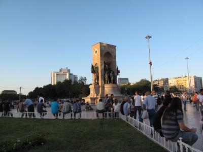 s_タクシム広場2