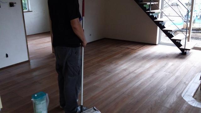 床貼り完成