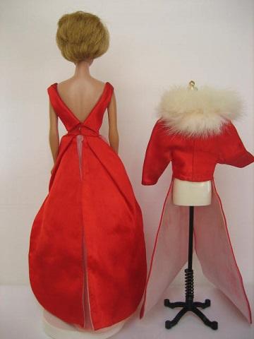 バービー赤ドレス1