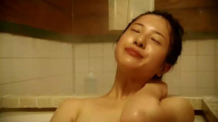 吉高由里子、お宝入浴シーンを披露!【ガリレオ】回想1