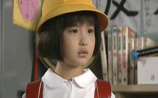 ちびまる子(森迫永依)が、でかまる子に…子役時代の初代まる子(帽子)