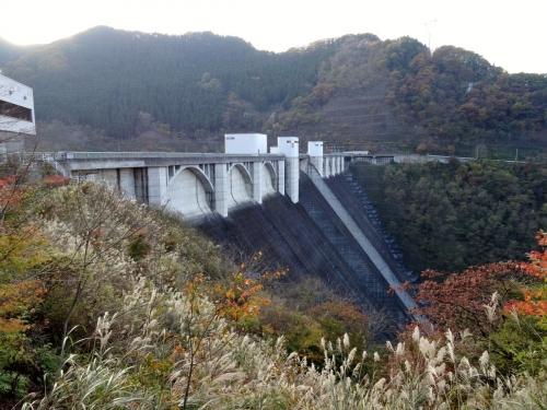 9浦山ダム (1200x900)