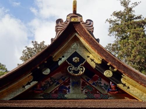 7拝殿の装飾 (1200x900)