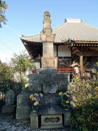 8明運尼の墓 (900x1200)