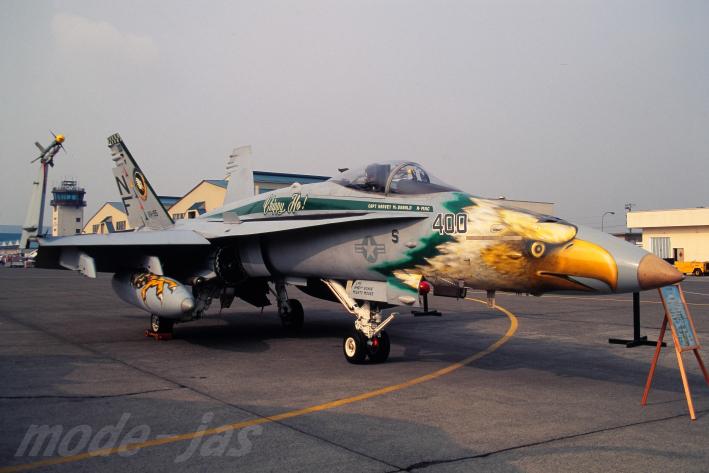 1996041314 FA18C VFA195 NF400_65I3565