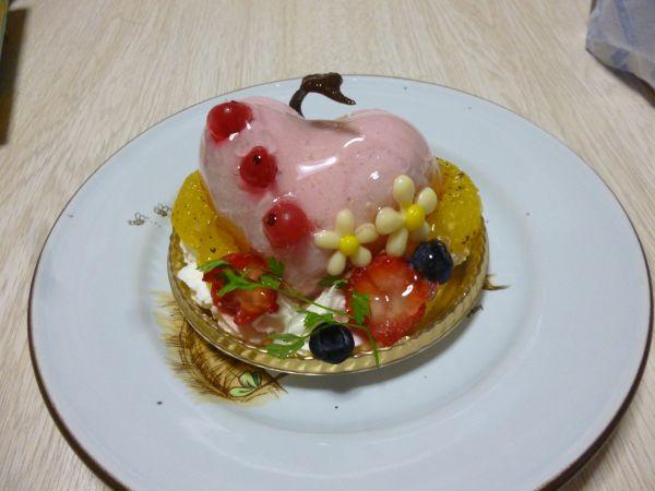 K-BOOKSコラボスイーツモモケーキ実物1