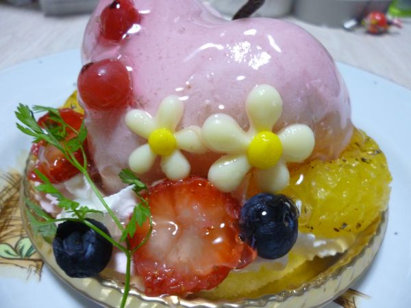 K-BOOKSコラボスイーツモモケーキ実物2