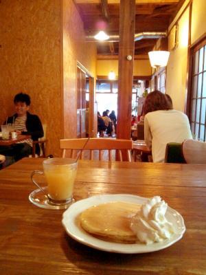iriya plus cafe 雰囲気