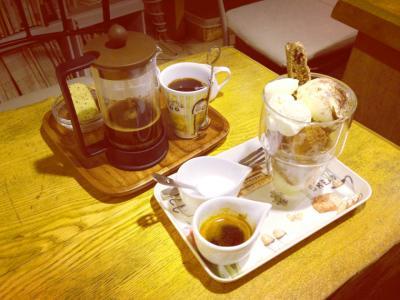 Cafe Sucre デセール・ウ・カフェ+コーヒー
