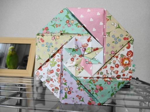 折り紙で作った箱