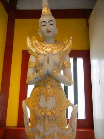 ビルマの仏像