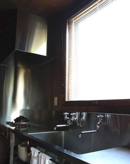 20130911キッチン窓明かり-1
