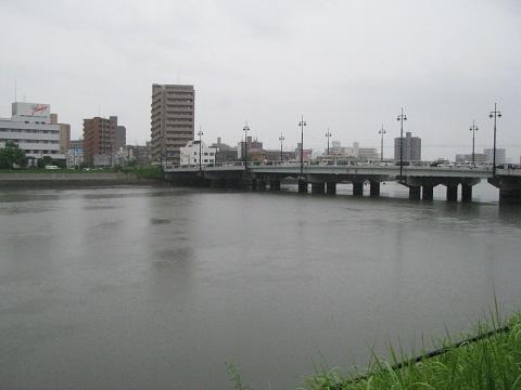 IMG_雨の御幸橋3032