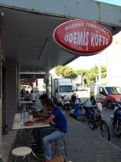 オープンレストラン(ただの道路沿い)