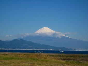 三保灯台付近の富士山