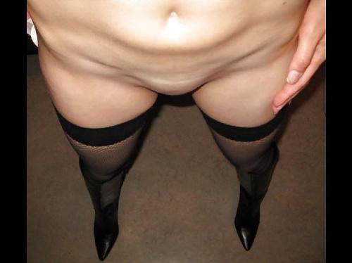 彼女のストッキング脚に興奮するwww脚フェチ画像