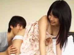 【動画】男の強引さに押し負け即ハメしちゃう美少女(*゚∀゚)=3 ムッハー