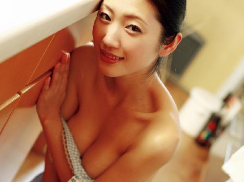 【壇蜜】大人の色気出まくりなケツと乳首、パイパンな熟れた股間露出が最高!エロ画像30枚