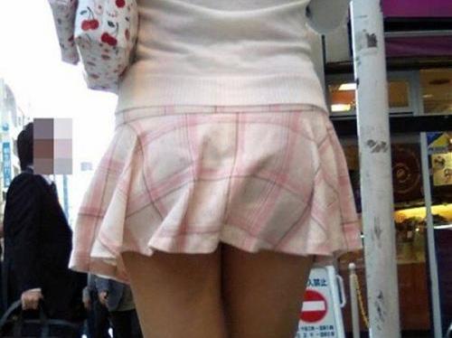 【三次】透けブラしている素人娘のエロ画像part2