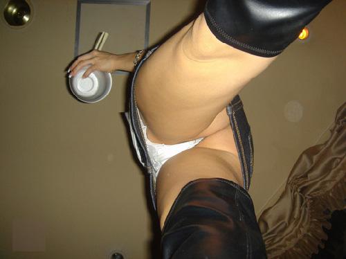 普通はさ、こういうアングルでスカートの中見れないじゃんてパンチラ画像【30枚】