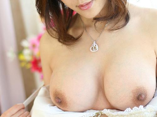 【エロ画像】ランジェリー脱いで美巨乳おっぱい桃尻お尻を露わに挿入