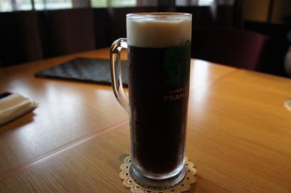 ガーネット チェコの黒ビール