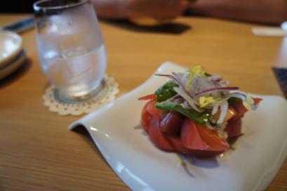 トマトの塩麹サラダと焼酎
