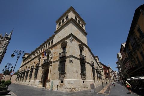 1202 Palacio de los Guzmanes