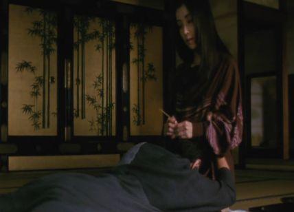 【川島なお美】服の上から体をまさぐられるラブシーン