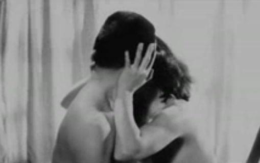 【野川由美子】乳首モロ出しのラブシーン