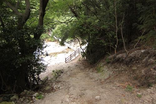 白竜吊り橋へ
