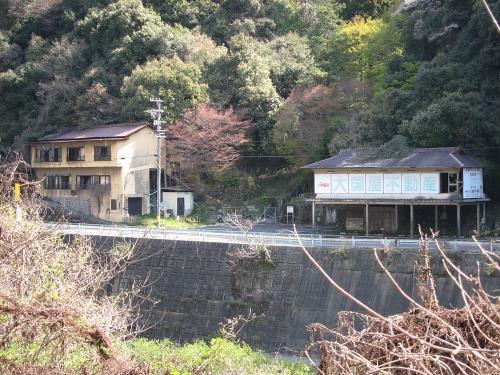 古虎渓駅の対岸