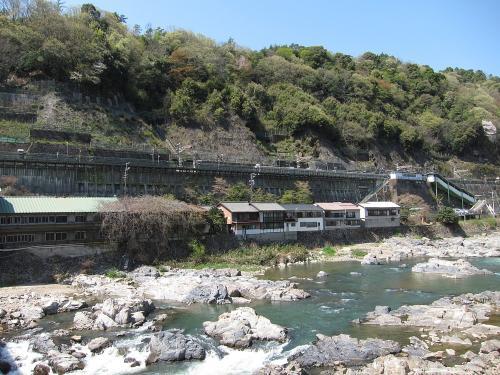 定光寺駅と庄内川