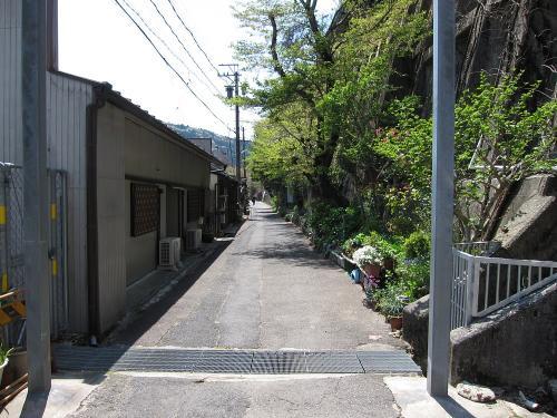定光寺駅前の様子1