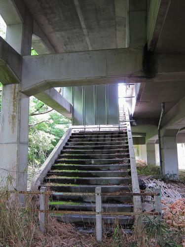 名鉄知多新線・小野浦駅の内海方面側階段