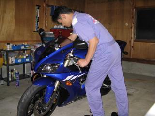 バイクを車庫に