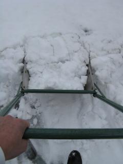 スノーダンプで除雪