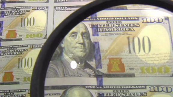 新しい100ドル札を10月8日に発行