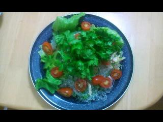 ぷちぷち海藻麺とくらげのサラダ
