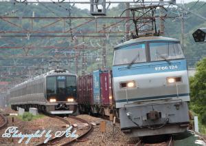 8056レ(EF66-124牽引)