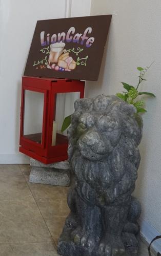 ライオンカフェ2階入り口