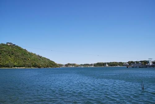 テラスの横はすぐ浜名湖