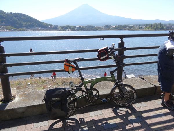 131012_08富士山&オリバイクM10現像