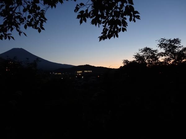 131013_28富士山&一番星現像