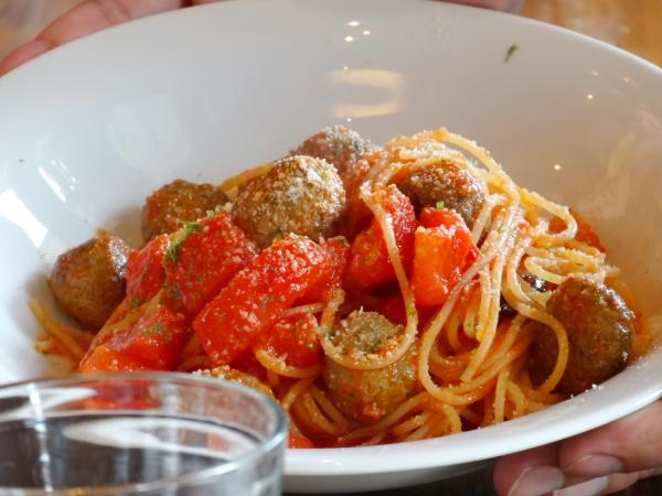 131014_22秋刀魚のポルペッティーノ肉団子とみくりや小町(地トマト)のスパゲッティーニ現像