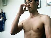 ゲイ動画:[男のプリケツ] 素人男のエロ筋見せ合いカメラオナニー !! 好帥哥
