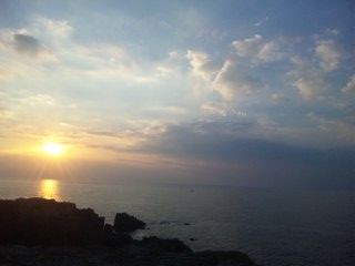 神在月の出雲、日本海の夕暮れ