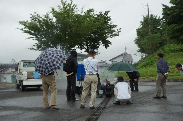 戸狩の方々が戸狩野沢温泉駅前に集まって