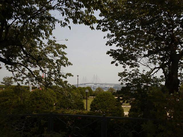 港の見える丘公園よりベイブリッジを望む